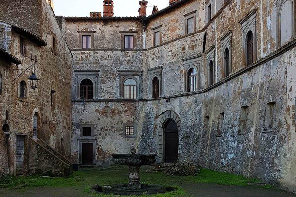balthus_castello_montecalvello_web